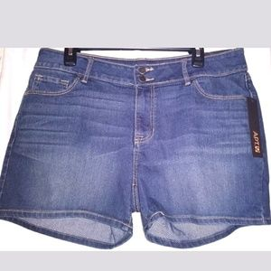 Apt 9 Jeans Shorts Ladies Size 16